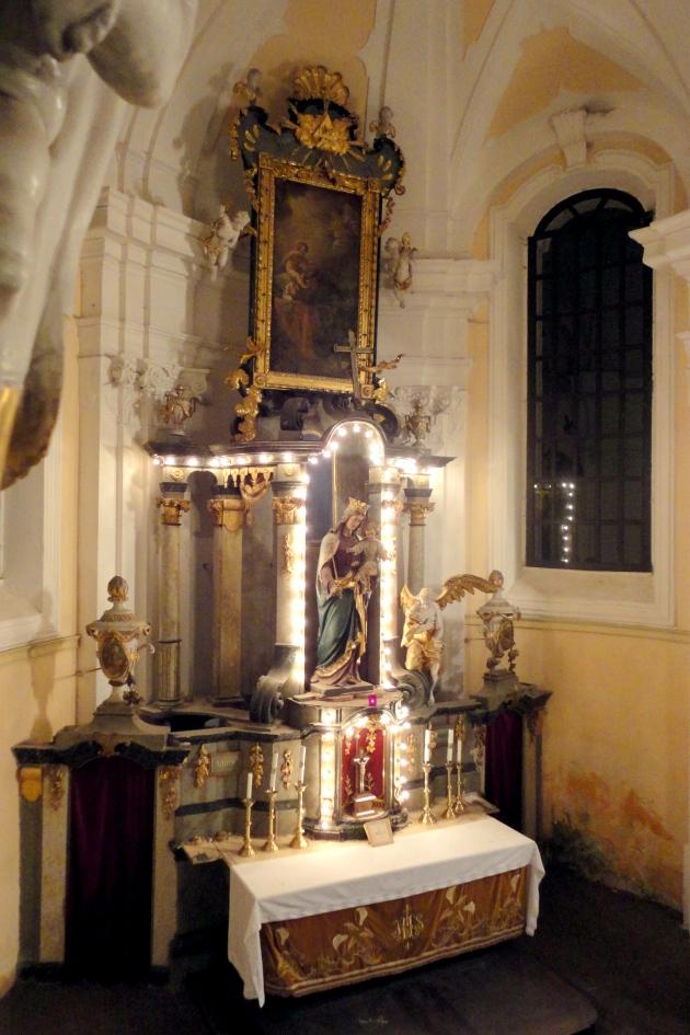 Hlavní oltář kostela v Kytlici